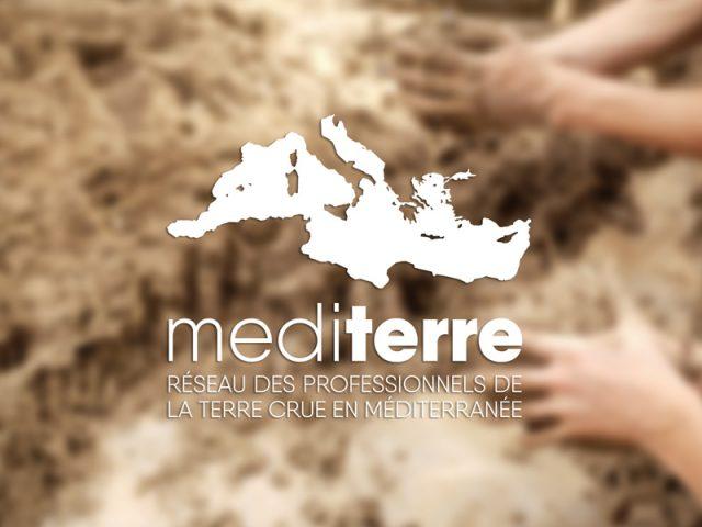Mediterre, réseau des professionnels de la terre crue en Méditerranée. Portfolio de Michaël Petit, graphiste de Petit(à)Petit, spécialisé dans la communication visuelle, print et web. Logos, affiches, flyers, cartes de visite, plaquettes, brochures, signalétique, sites internet Petit(à)Petit crée tout ce dont vous avez besoin pour votre communication. C'est en même temps une agence de communication, un graphiste, un directeur artistique, un webdesigner basé à Pornichet, Saint-Nazaire, Nantes, Loire Atlantique, France, île de la Réunion, Paris. J'utilise illustrator, photoshop et indesign ainsi que Adobe Première et Final cut pour le montage vidéo.